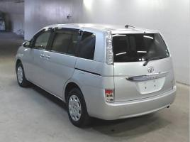 TOYOTA ISIS L 2015